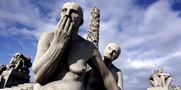 As fortes esculturas do Park Vigeland...