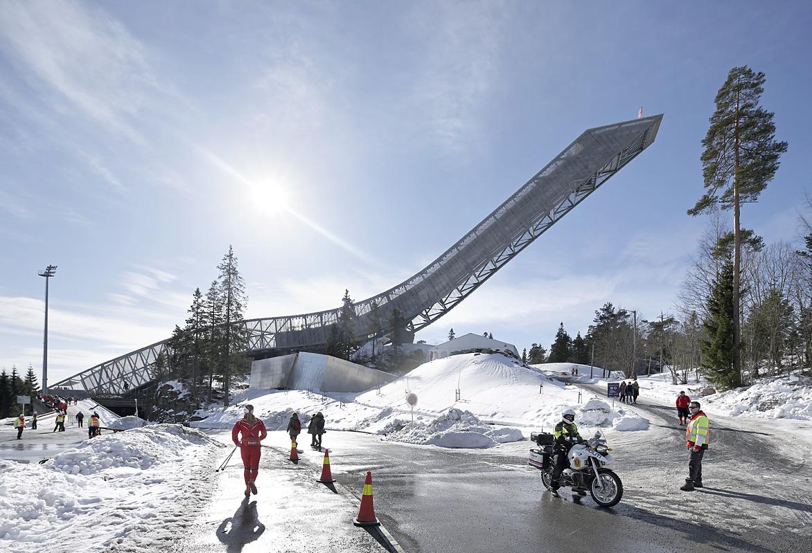A impressionante pista de salto com ski Holmenkollen.